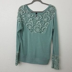 BKE boutique pullover sweater sz L sequin crochet